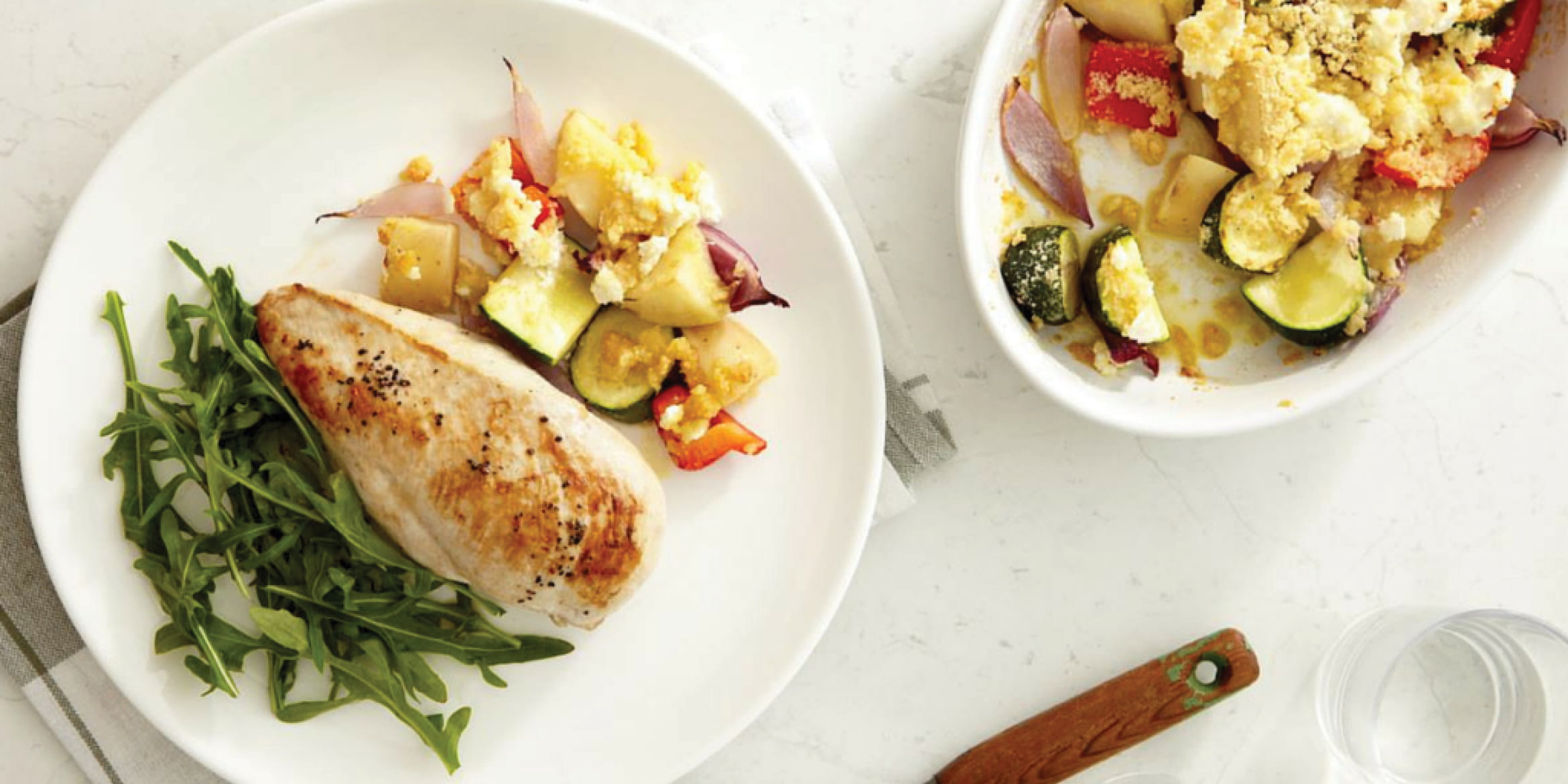 CHICKEN BREASTS WITH VEGETABLE CRUMBLE